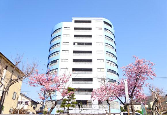コンフォールタワーの外観
